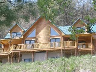 Beautiful, Water-Front Mountain Log Home  Virginia - Dugspur vacation rentals