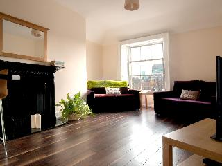 MOY 2 bed in the city - Dublin vacation rentals