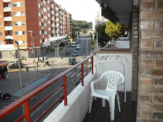Nice apartment for 4-6 p. near the sea with pool - Lloret de Mar vacation rentals