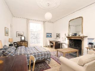 Edinburgh Memories Self Catering Apartment - Edinburgh vacation rentals
