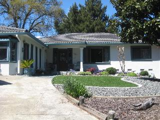 3 bd/3ba Home + office, Ukiah, Ca. 2500sq' lovely - Ukiah vacation rentals