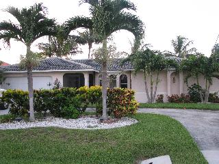 Vacation Home in SW Cape Coral on deep water canal - Cape Coral vacation rentals
