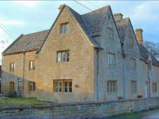 Wood Stanway Farmhouse Bed & Breakfast - Winchcombe vacation rentals