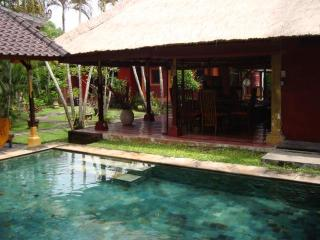 adorable Balinese house in Seminyak, 80m to beach - Seminyak vacation rentals