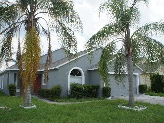 4 Bedroom House with Private Pool - 5 min Disney - Kissimmee vacation rentals