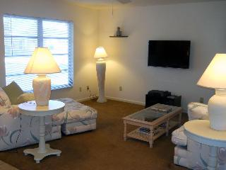 Naples 2 Bedroom House Minutes From Beach - Naples vacation rentals