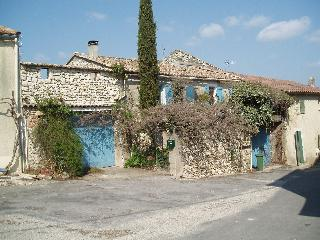 Charming Village house for 4 near Uzes Languedoc - Uzes vacation rentals
