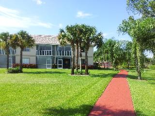 Private Lely Resort 3BR  Bright Open Quiet Condo. - Naples vacation rentals