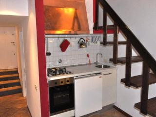 Charming apartment in Trastevere (Trastevere 9) - Rome vacation rentals