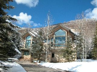 West Vail Private 5BR Home / Vail Village Parking - Nuevo Arenal vacation rentals