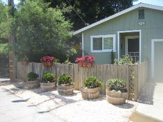 Koko's Sonoma Cottage - Sonoma vacation rentals