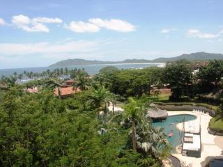 New Luxuray Condo with Spetacular Ocean Views - Tamarindo vacation rentals
