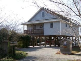 ~SANDY GARDEN CTG (BAMBOO CTG, AND SANDY POINT HOUSE)~ Free boats to use. - New Bern vacation rentals