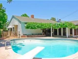 LA Pool House W/Grapevine-Covered Pergola - Image 1 - Whittier - rentals