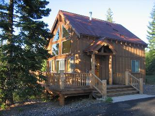 Cozy cabin at Cascade crest near Lake of the Woods - Klamath Falls vacation rentals