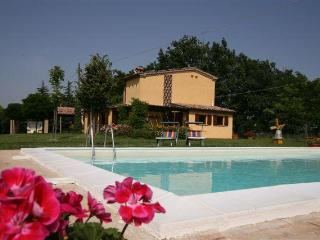 With panoramic views lovely villa with pool - Acqualagna vacation rentals