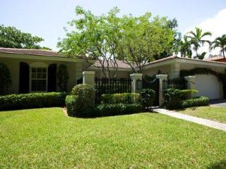 Stunning Coral Gables/ Miami 3 Bedroom Pool Home! - Coral Gables vacation rentals