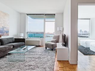 Sky City at Newport Blue- 3 bedroom with Manhattan views ! - Greater New York Area vacation rentals