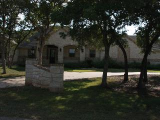 Private Ranch Style Home on 2.5 Acres F1 Perfect! - Austin vacation rentals