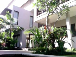 KUTA LUXURY VILLA - 4 BEDROOMS - KUBU - Kuta vacation rentals
