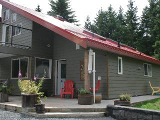 Vancouver Island - BEACH, GOLF, YOGA, ENJOY!  and  pet friendly - Parksville vacation rentals