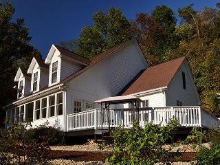 Stunning 5 Bedroom near Shenandoah National Park - Stanardsville vacation rentals