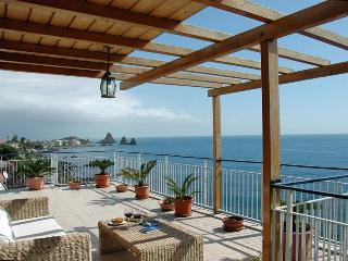 Beautiful apartment on the beach in Acicastello - Catania vacation rentals