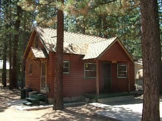 Pine Haven - knotty pine cabin and pet friendly! - South Lake Tahoe vacation rentals