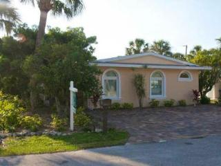 Decorated 3 bed/3 bath, home on Anna Maria Island - Holmes Beach vacation rentals