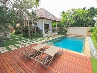 Villa Mare, Canggu Bali 400 metres from Echo Beach - Canggu vacation rentals