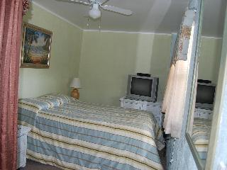 Mid Island beach studio apt - Fort Myers Beach vacation rentals