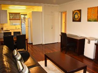 Fremantle Hideaway Villa - East Fremantle vacation rentals