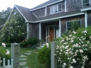 Superior Vacation Close to Lamberts Cove Beach. - West Tisbury vacation rentals