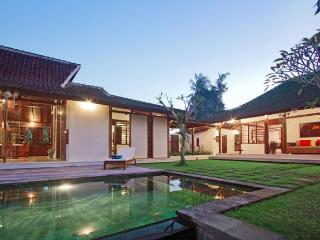 Villa Umah Jati - 3 Bedroom Villa in Canggu - Seminyak vacation rentals