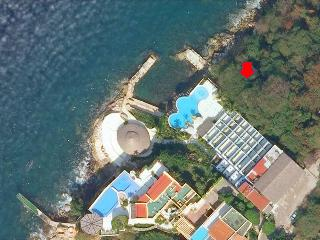 Acapulco Oceanfront Condo, Fresh + Sea Water Pools - Acapulco vacation rentals