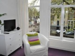 Clean, colorful apt with canal view - NL-AM 081 - Amsterdam vacation rentals