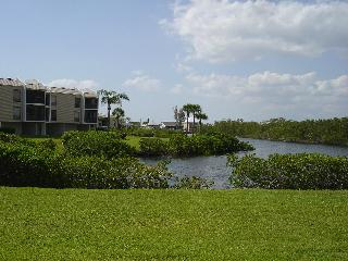 Quiet Waterfront 2 BR Condo - Fort Myers Beach, FL - Fort Myers Beach vacation rentals