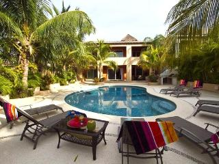 Beautiful 5/6 Private Villa on the Golf Course - Puerto Aventuras vacation rentals