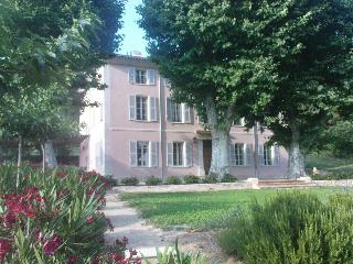 Castel-Bastide in Provence- 8 rooms -swimming pool - Aups vacation rentals