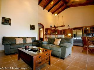 Condo Canuk - 2 Bedroom Luxury Condo in Nosara - Guanacaste vacation rentals