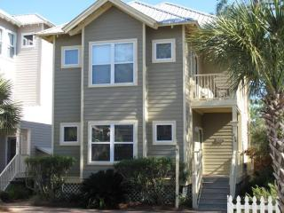 Old Florida Village -Beach house -3 bedroom 3 bath Close to Gulf and Communtity pool - Miramar Beach vacation rentals