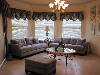luxury golf course property. Near beach and town. - Naples vacation rentals