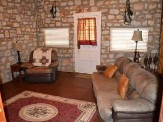 Victory Suite at Panther Valley Ranch - Image 1 - Hot Springs - rentals