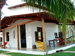Vila do Patacho, beachfront, services of a hotel - Porto de Pedras vacation rentals