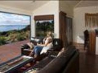 Waoku Lodge - Ahi 2-bedroom apartment - Image 1 - Raglan - rentals