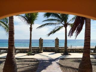 A Baja Beach Vacation! - 6 bedrooms on the beach - Los Barriles vacation rentals