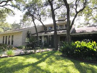 Northwest Arboretums Tropical Paradise - Austin vacation rentals