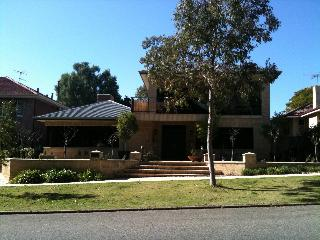 6 bed executive home in the heart of Perth, WA - Shenton Park vacation rentals