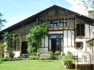 Grand Hourcqs - B&B - Pouillon vacation rentals