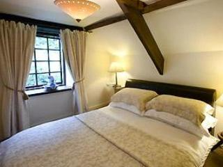 Foxglove Cottage- Cosy one beedroom, wooden beams - Boncath vacation rentals
